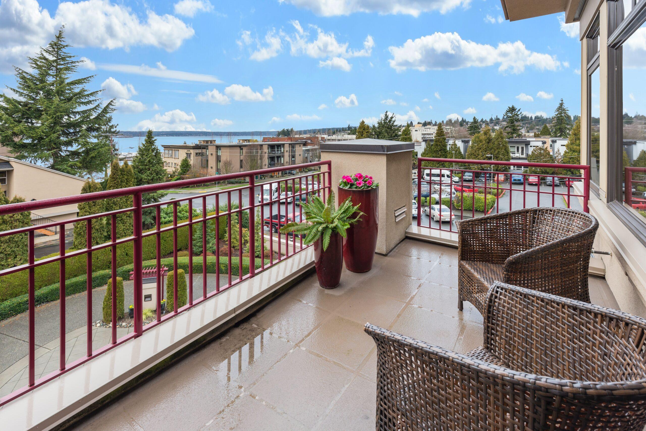 """Transformă-ți balconul dintr-un spațiu de depozitare în """"oaza ta de relaxare urbană"""""""